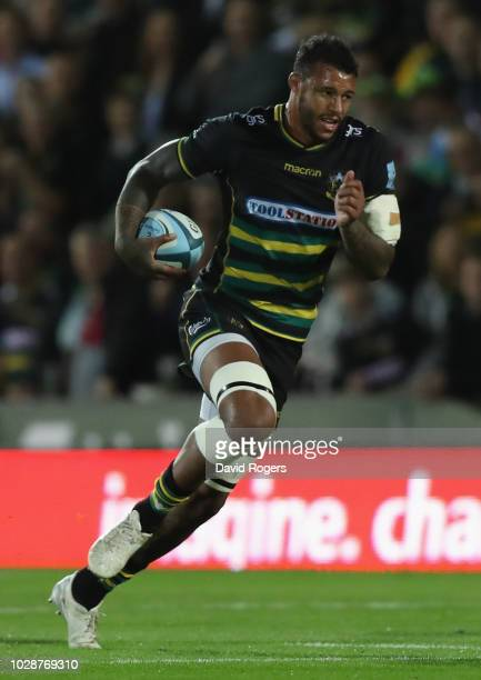 Courtney Lawes of Northampton runs with the ball during the Gallagher Premiership Rugby match between Northampton Saints and Harlequins at Franklin's...