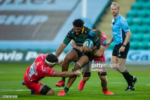 Courtney Lawes of Northampton Saints and Jono Ross of Sale Sharks during the Gallagher Premiership match between Northampton Saints and Sale Sharks...