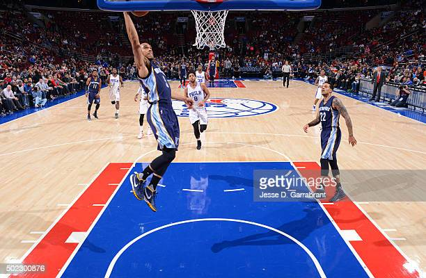 Courtney Lee of the Memphis Grizzlies dunks the ball against the Memphis Philadelphia 76ers at Wells Fargo Center on December 22 2015 in Philadelphia...