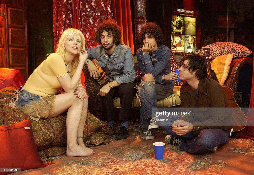 """Courtney Love on MTV2 """"24 Hours of LOVE"""" : News Photo"""