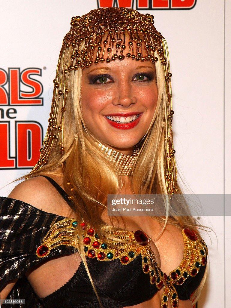"""""""Girls Gone Wild' Elegant Sin Halloween Party - Arrivals"""