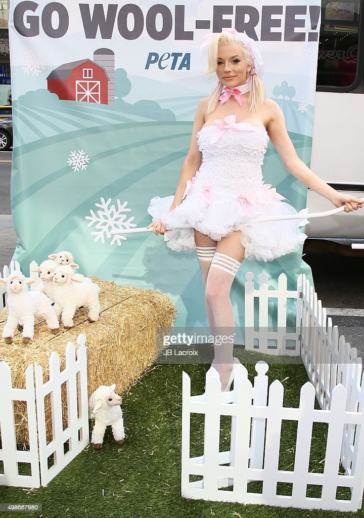 """Courtney Stodden Protests For PETA's """"Save The Sheep!"""" Campaign : News Photo"""