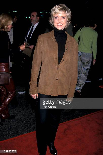 Courtney ThorneSmith at the Premiere of 'Charlie's Angels' Mann's Chinese Theatre Hollywood