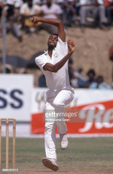 Courtney Walsh bowling for West Indies during the 1st Test match between West Indies and Australia at Sabina Park Kingston Jamaica 2nd March 1991 The...