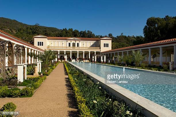 courtyard at getty villa - getty villa foto e immagini stock
