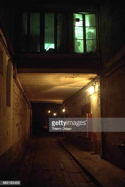 Courtyard entrance to the apartment of Agnes Nijkamp in the Etoile d'Or area of Bastille a victim of Parisian serial killer Guy Georges who raped and...