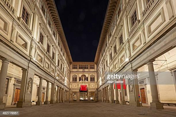 Courtyard of the Uffizi gallery