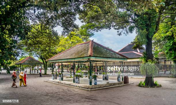 courtyard pavilions kraton ngayogyakarta hadiningrat, the palace of the yogyakarta sultanate, central java - kraton stock pictures, royalty-free photos & images