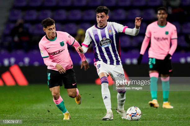 Coutinho of FC Barcelona, Kike Perez of Real Valladolid during the La Liga Santander match between Real Valladolid v FC Barcelona on December 22, 2020