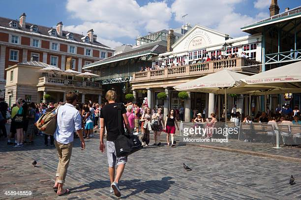 covent garden, em londres, inglaterra - covent garden - fotografias e filmes do acervo