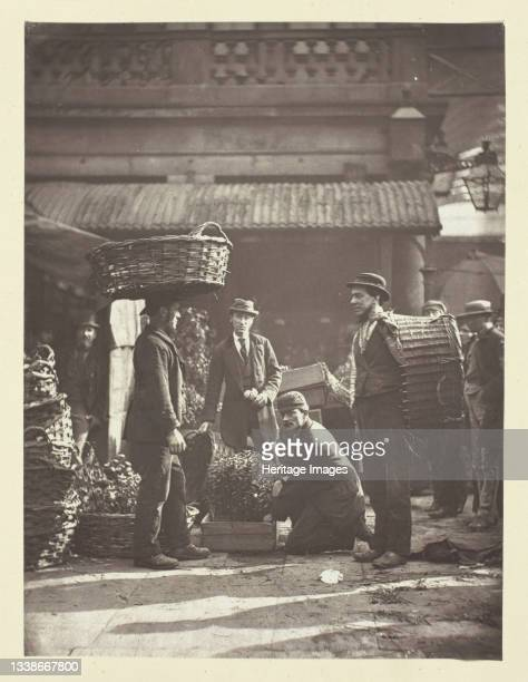 Covent Garden Labourers, 1881. A work made of woodburytype, plate 3 in the book 'street incidents' . Artist John Thomson.