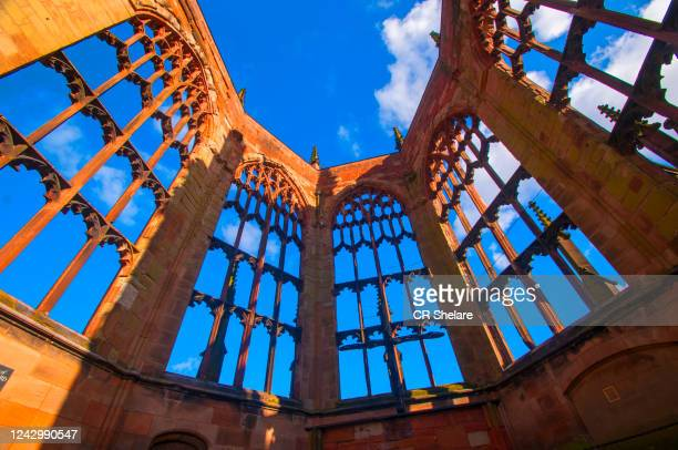 coventry cathedral, coventry, uk. - コベントリー ストックフォトと画像