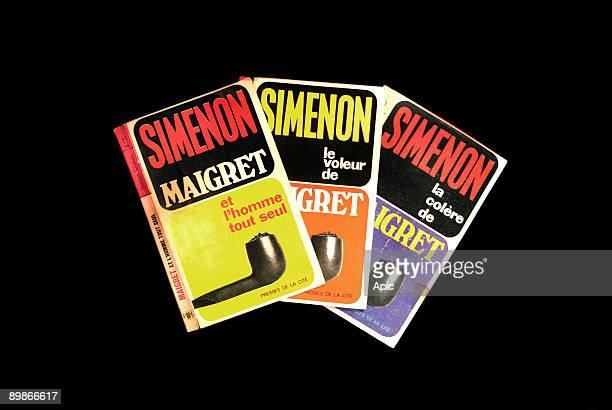 """Cover 3livres pocket right Maigret has left """"Maigret et l'homme tout seul"""" by Georges Simenon , Editions Presses de la Cite The Thief Maigret """"by..."""