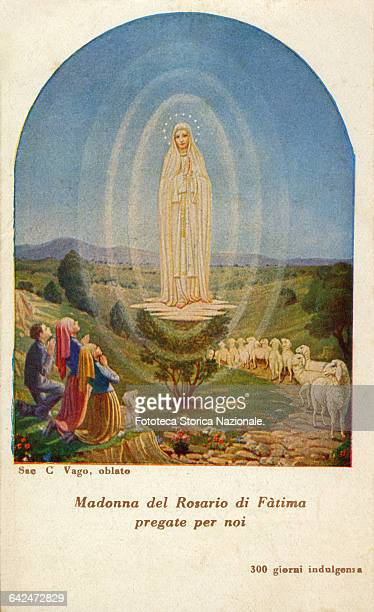cover of a folding popular with illustration of the apparition of May 13 1917 it contains prayers dedicated to Our Lady of Fatima and the Immaculate...