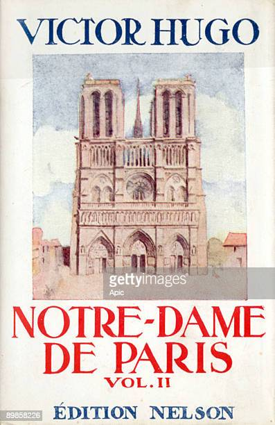 Cover of book 'NotreDame de Paris' by Victor Hugo 1930 french edition