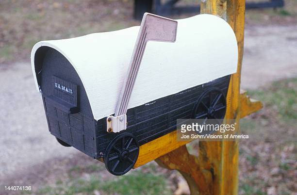 A covered wagon mailbox