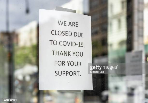 covid-19 signage - new york - closed stock pictures, royalty-free photos & images