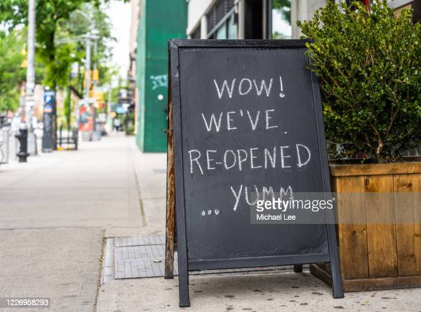 covid-19 signage - new york - reopening stock pictures, royalty-free photos & images