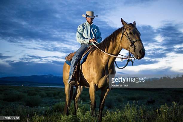 Cowboy no Anoitecer