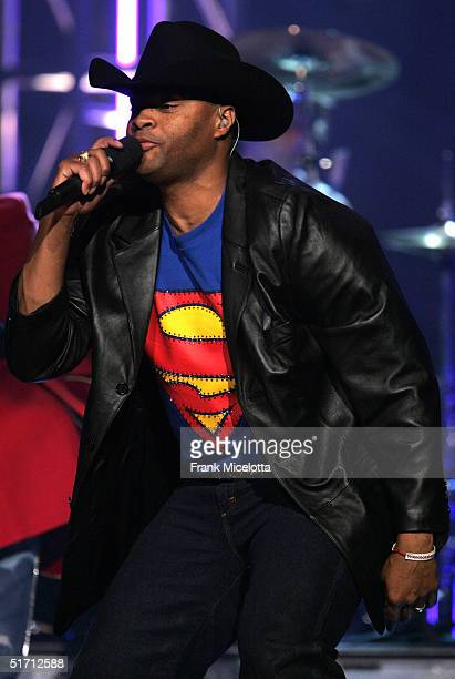 Cowboy Troy of Big and Rich performs on stage at the 38th Annual CMA Awards at the Grand Ole Opry House November 9 2004 in Nashville Tennessee