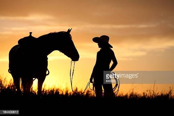 Vaquera a su caballo