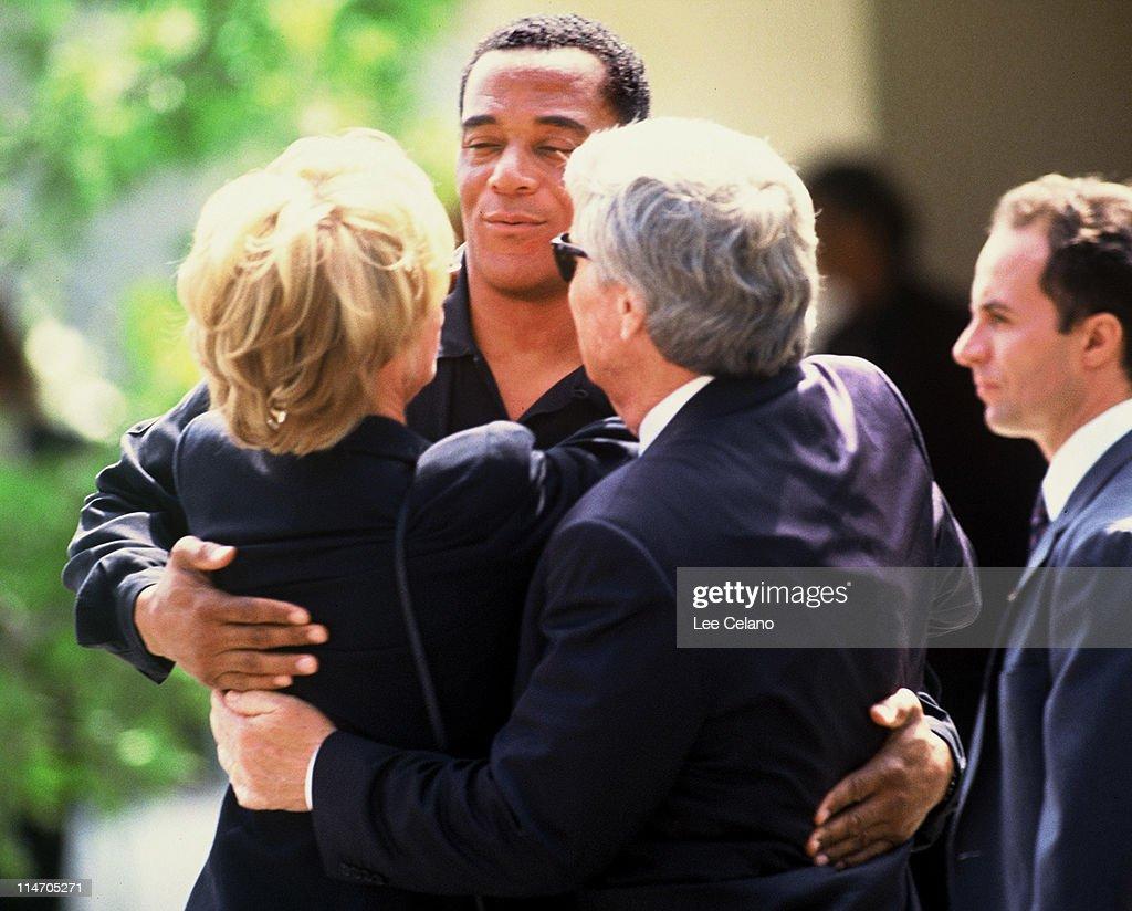 Funeral of Nicole Brown Simpson : Fotografía de noticias