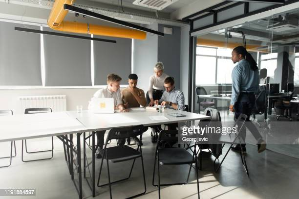 coworking - georgijevic coworking consultation stock pictures, royalty-free photos & images
