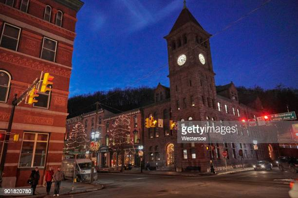 "cozy shop in the christmas town ""jim thorpe"" - jim thorpe pennsylvania stock photos and pictures"
