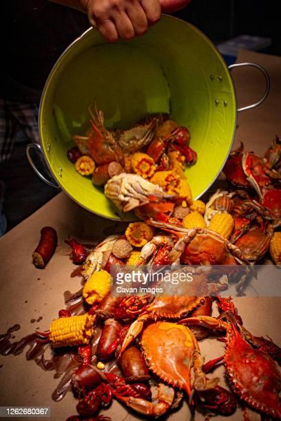 crab and crawfish boil in mississippi - ミシシッピ州 ストックフォトと画像