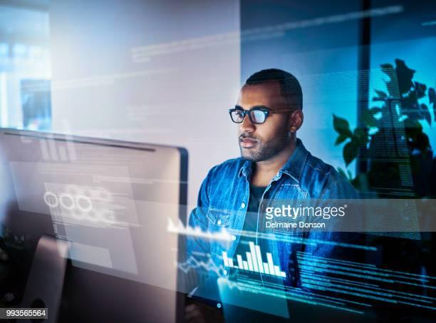 abrir códigos é a minha habilidade superior - profissional de informática - fotografias e filmes do acervo