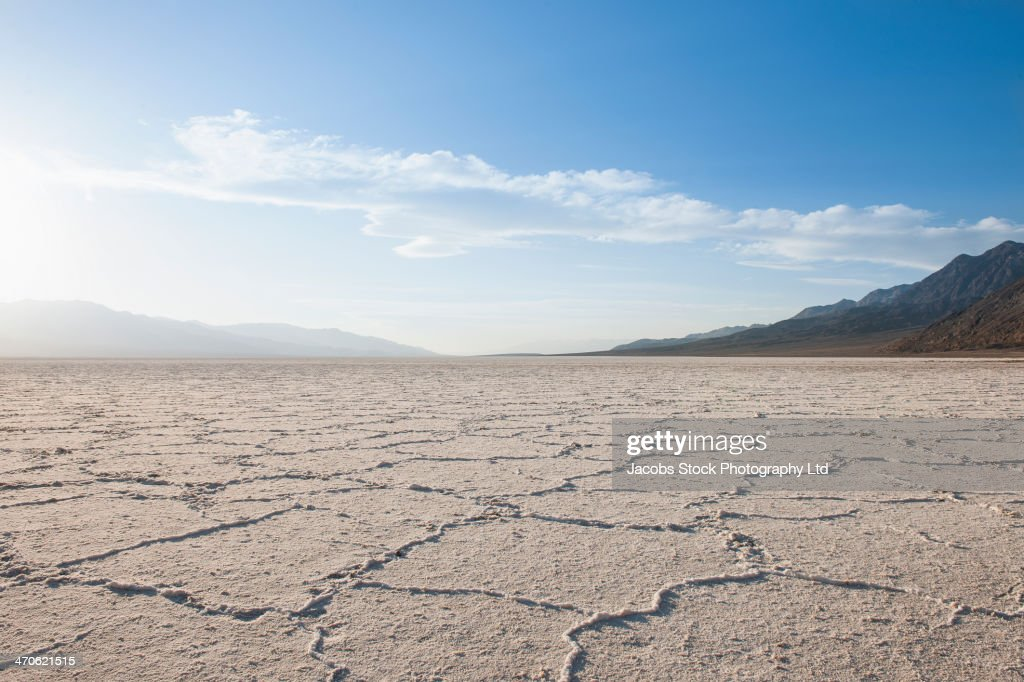 Cracks in dry desert landscape, Death Valley, California, United States : Stock Photo