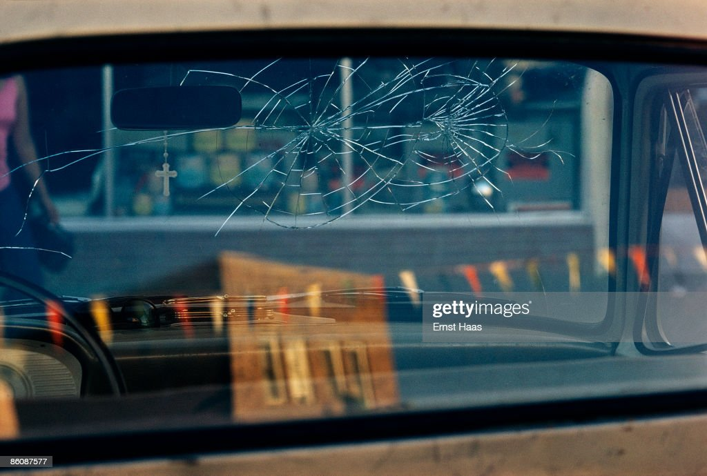 Rear Window : News Photo