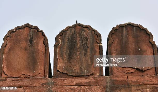 Cracks seen on Jama Masjid as result of eroded sandstone on December 13 2017 in New Delhi India The 17th century mosque built by Mughal emperor...