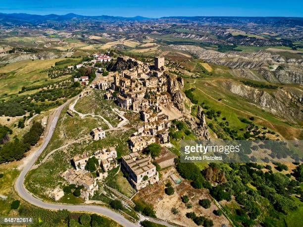 craco ghost town, basilicata, italy - basilicata region stock pictures, royalty-free photos & images