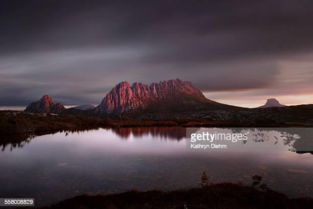 Cradle mountain reflection mountain tarn sunset