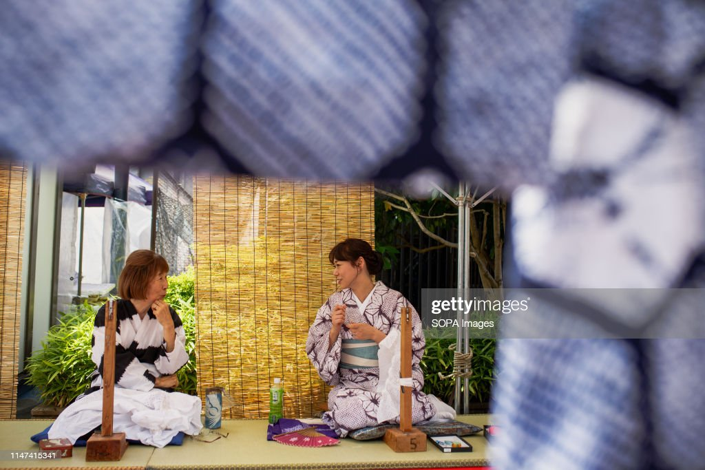 Craft women sewing pieces of cloths during the Arimatsu... : News Photo