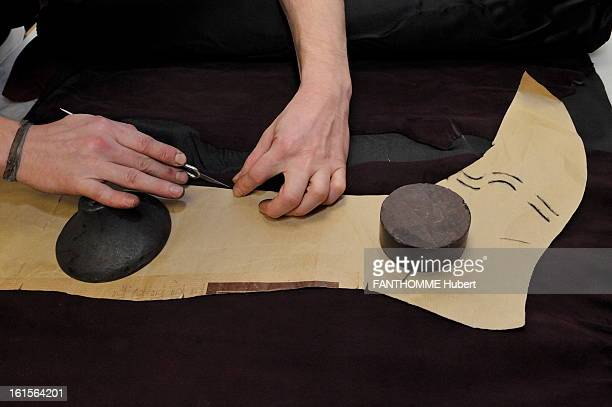 Craftsmen At The Service Of The House Chanel For The 2011 ReadyToWear ParisByzance Collection The Bootmaker Massaro