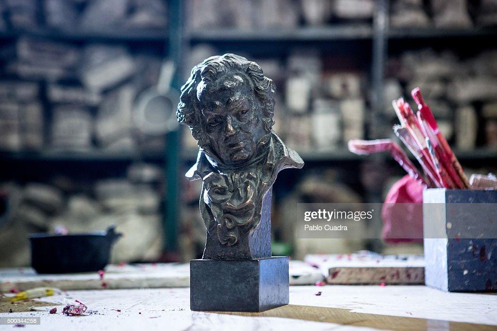 Goya Awards Trophies in Production by artist José Luis Fernández : ニュース写真