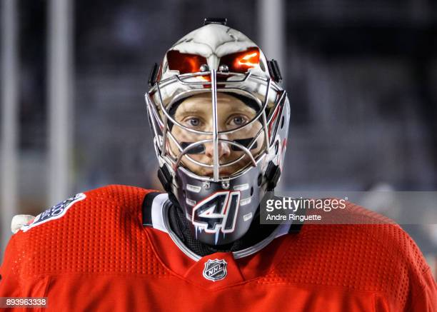Craig Anderson of the Ottawa Senators during warmup prior to a game against the Montreal Canadiens in the 2017 Scotiabank NHL100 Classic at Lansdowne...