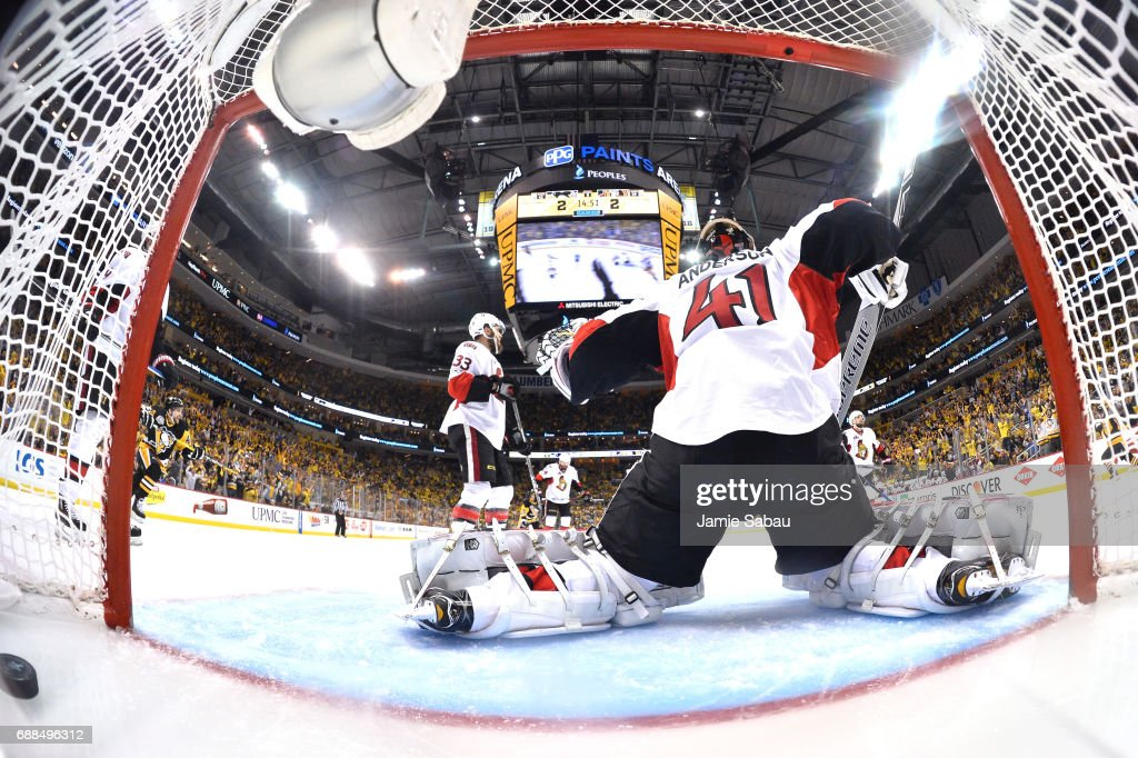 Craig Anderson #41 of the Ottawa Senators gives up the game winning goal to Chris Kunitz #14 of the Pittsburgh Penguins in the second oevertime in Game Seven of the Eastern Conference Final during the 2017 NHL Stanley Cup Playoffs at PPG PAINTS Arena on May 25, 2017 in Pittsburgh, Pennsylvania. The Pittsburgh Penguins defeated the Ottawa Senators with a score of 3 to 2.