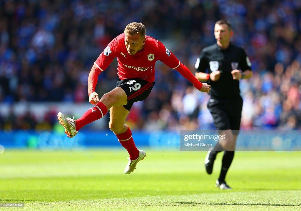 Cardiff City v Chelsea - Premier League : News Photo