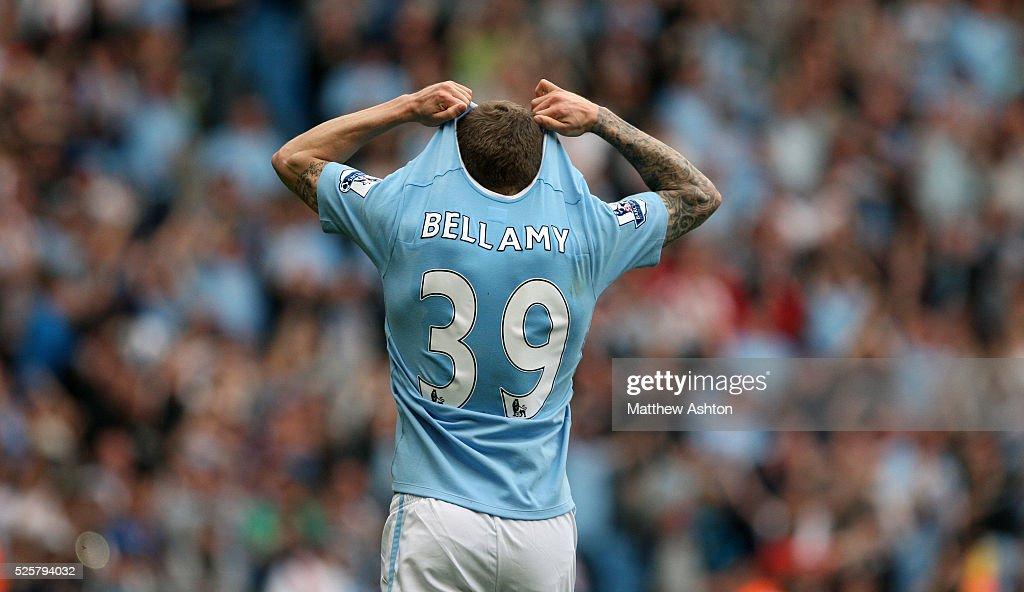 SOCCER - Barclays Premier League - Manchester City v Aston Villa : News Photo