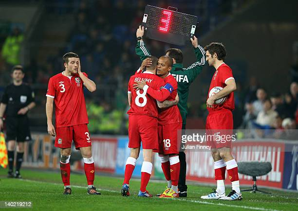 Craig Bellamy of Wales leaves the pitch as he is substituted for Robert Earnshaw of Wales during the Gary Speed Memorial International Match between...