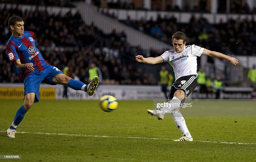Craig Bryson of Derby shoots on goal during the FA Cup sponsored by Budweiser Third Round match between Derby County FC and Crystal Palace FC at Pride Park on January 7, 2012 in Derby, England.