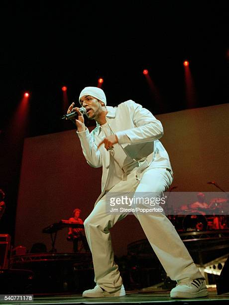 Craig David performing on stage circa 2001