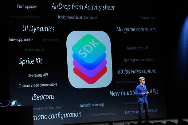 Photos et images de Apple Chief Executive Officer Tim Cook