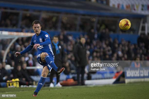 Craig Gardner of Birmingham City in action during the Sky Bet Championship match between Birmingham City and Nottingham Forest at St Andrews Stadium...
