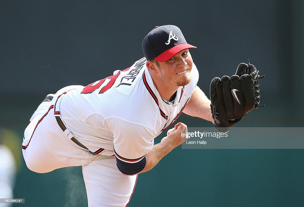 Craig Kimbrel #46 of the Atlanta Braves warms up prior to the start of the inning during the game against the Detroit Tigers on February 22, 2013 in Lake Buena Vista, Florida. The Tigers defeted th Braves 2-1.