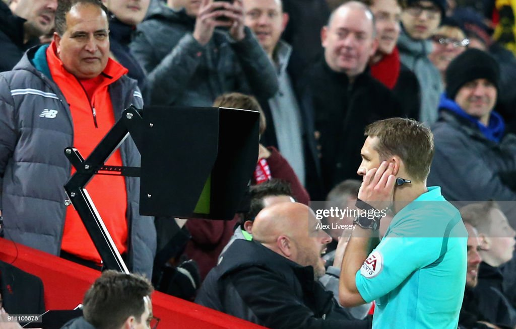 Liverpool v West Bromwich Albion - The Emirates FA Cup Fourth Round : Fotografía de noticias