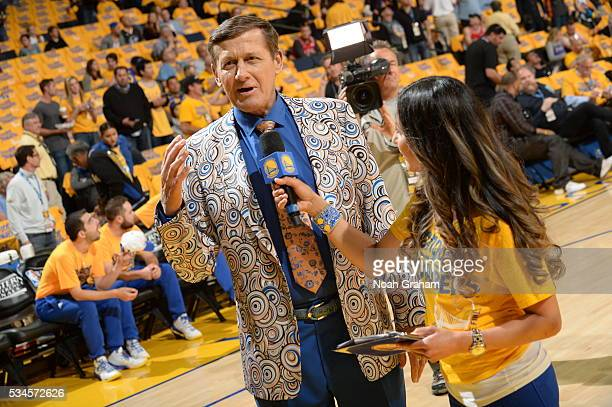 Craig Sager on the court before the Oklahoma City Thunder face the Golden State Warriors for Game Five of the Western Conference Finals during the...